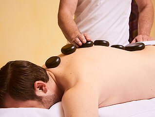 Hot Stone Massage im Wellnesshotel in Kaprun